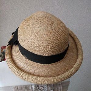 NWT Callanan Raffia OS Hat w/Black Bow